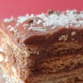 Tarta de galletas con chocolate y café